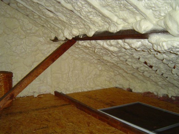 spray-foam-insulation-open-cell-roof-rot-moisture-problem-1-1